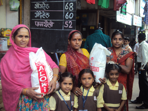 Donors sponsors monthly RATION to needy family